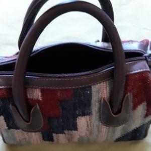 Blanket pattern handled purse